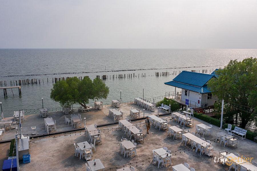 ร้านอาหารริมทะเล