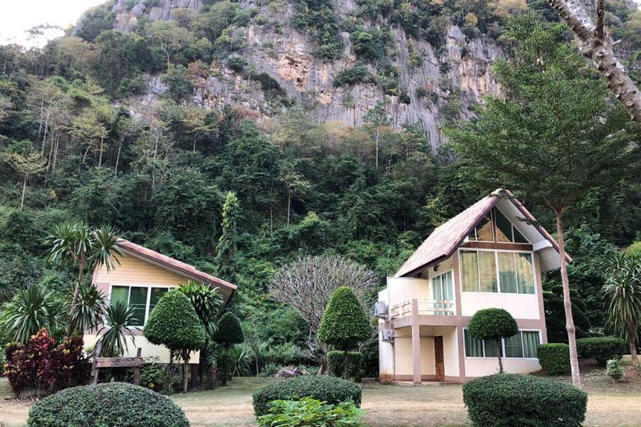 Baan Phupha01