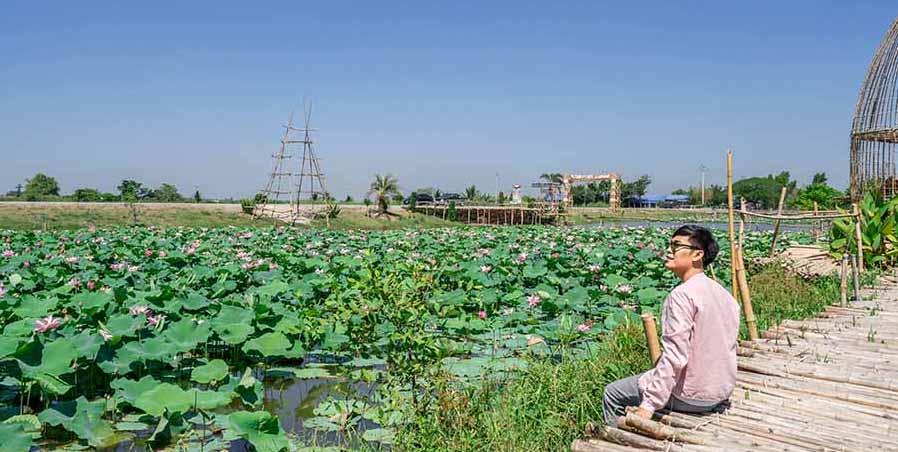 ตลาดน้ำสะพานโค้ง, จ.สุพรรณบุรี
