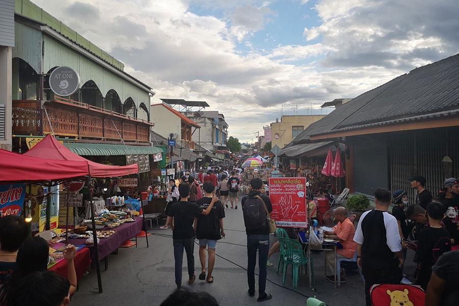 lampangwalkingstreet-1